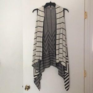 Black & White vest/shawl